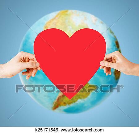Colección de imágenes - manos humanas, tenencia, corazón rojo ...