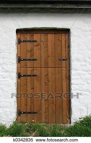Stock Image Of Wooden Barn Door K0342835 Search Stock Photos