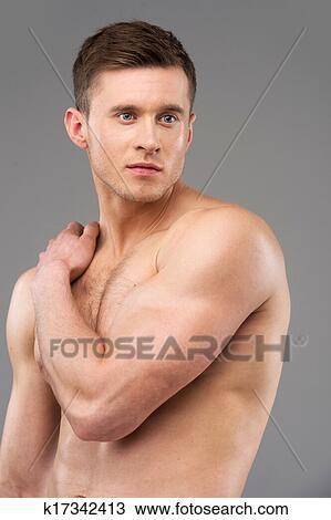 Mannlig modell naken