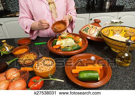Banques De Photographies Traditionnel Cuisine Marocaine K27538031