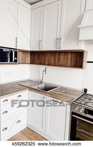 Cocina, diseño, en, moderno, escandinavo, style., elegante, luz, gris,  cocina, interior, con, muebles modernos, y, acero inoxidable, aparatos, en,  ...