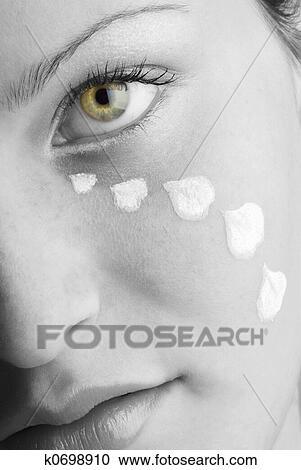Banco de Fotografías - pétalos, y, lágrimas k0698910 - Buscar fotos ...