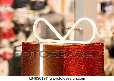 c6853b20a Regalo, boxe, en, el, plano de fondo, de, un, lenceria, store., publicidad,  ventas, moda, concept. beauty, regalo, compras, blogger, concept., ...
