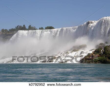 Latina niagara falls