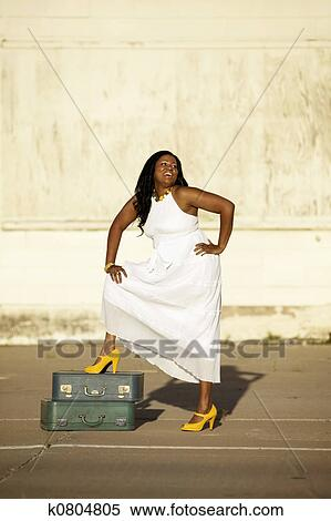 5dabf037cd7a Africano american donna