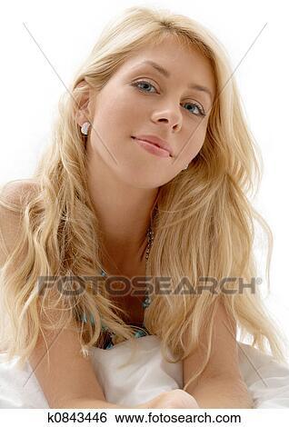 Sitzen, blond, in, braun, kurze hosen, und, stiefeln, #2