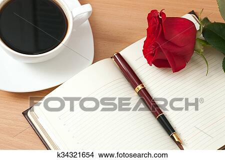 دفتر أيضا شىء على شكل وردة اللوحة K34321654 Fotosearch