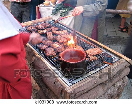 Spareribs På Gasgrill : Picture of spareribs on grill with hot marinade