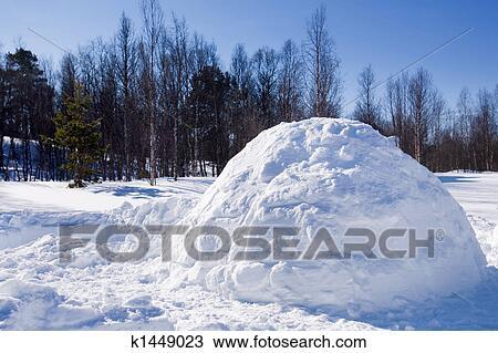 Banque de photo igloo dans hiver k1449023 recherchez for Abri mural norvege
