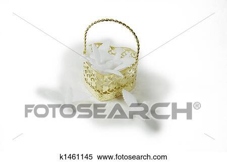 Stock Bild - herz, korb, von, tauben k1461145 - Suche Stockfotos ...