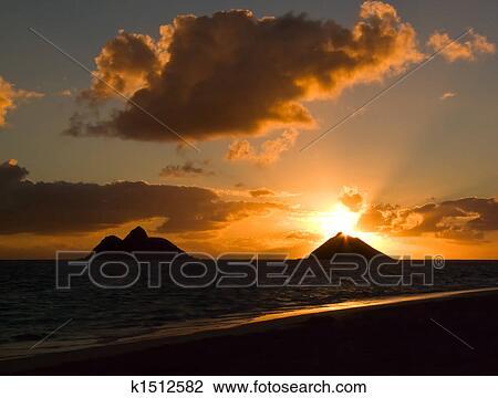 Sunrise Lanikai Beach Stock Image K1512582 Fotosearch