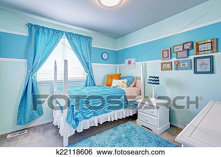 Stock Bild   Bezaubern, Mädchen Zimmer, Innere, In, Blaue Töne. Fotosearch