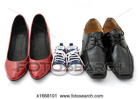 059d202ecbc Γυναίκεs, παιδί, και, άντρεs, παπούτσια, αναμμένος αγαθός, φόντο,  οικογένεια, γενική ιδέα