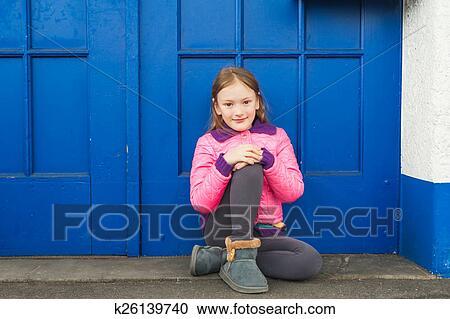 Stock Fotografie Mode Portrat Von A Niedlich Kleines Madchen
