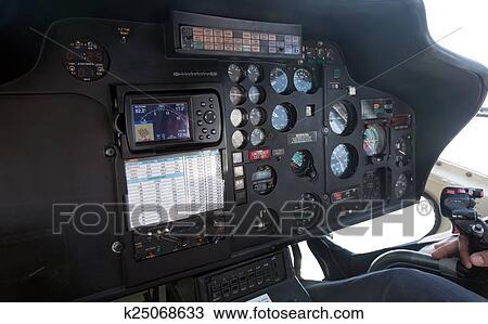Banque de Photo - intérieur, de, hélicoptère, cabine k25068633 ...