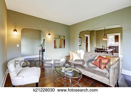 Soggiorno, interno, con, classico, bianco, sedia, e, sofà marrone ...