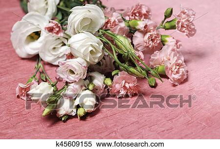 Hermoso Arreglo Floral Banco De Fotografías