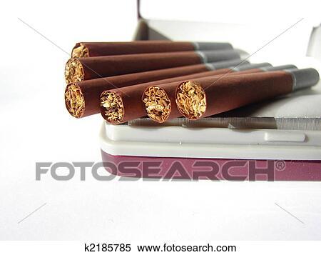Scuro Sigarette Uno Sfondo Bianco Uno Primo Piano Archivio