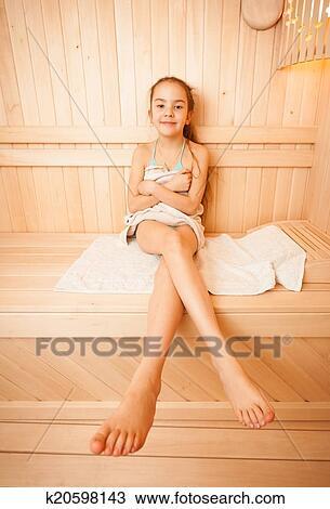 Mädchen nackt Beine