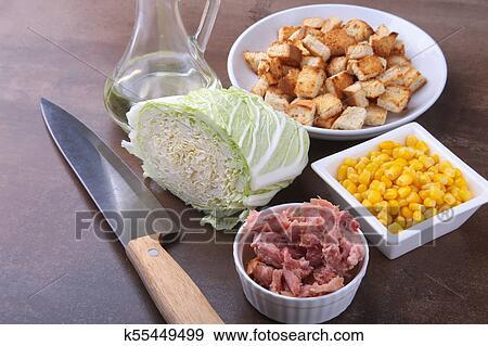 جديدة مثل الزهرة الملفوف الصيني حلوى جاهز ذرة شهي Crispy قطع خبز محمص أيضا سكران Tuna Ingredients ب الحمية Salad ألبوم الصور K55449499 Fotosearch