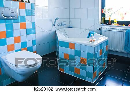 Stock Foto   Buntes, Weiß Blau, Badezimmer. Fotosearch   Suche  Stockfotografie, Fotodrucke