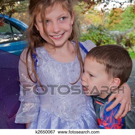 Ältere Schwester Junger Bruder