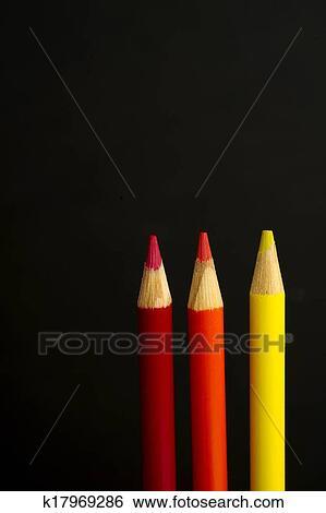 Bambini Rosso Arancia E Giallo Matita Colorata Pastelli Su
