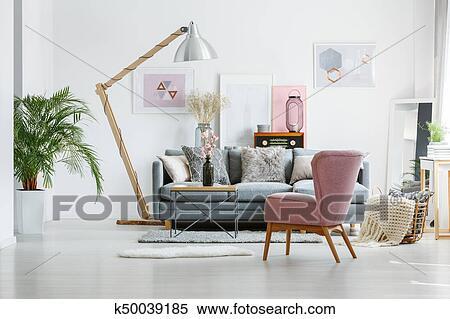 Artistiek, verf, in, woonkamer Stock Afbeelding