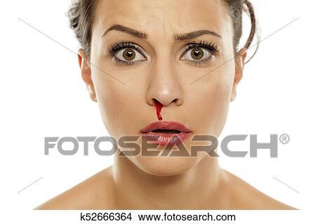 Blutige, nase Bild | k52666364 | Fotosearch
