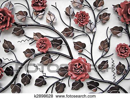 Wand Deko Von Metall Blumen Stock Foto K2898628 Fotosearch