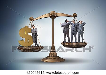 Banque De Photo Difference Entre Riche Et Gens Pauvres