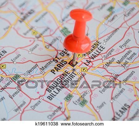 終わり の パリ 地図 で 赤 ピン 旅行 概念 イラスト