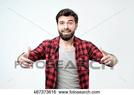 Spanisch, junger mann, mit, berad, argueing, mit, seine