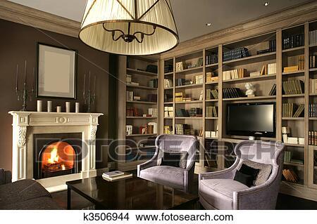 Woonkamer Met Bibliotheek : Stock foto woonkamer met groot bibliotheek en openhaard