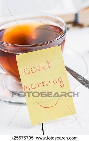 Guten Morgen Mit Lächeln Und Becher Tee Stock