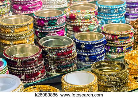 en vente en ligne nouvelle version sélectionner pour plus récent Indian Bracelets Stock Photograph