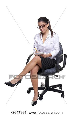 Banques de photographies secr taire assis sur une for Abdos assis sur une chaise