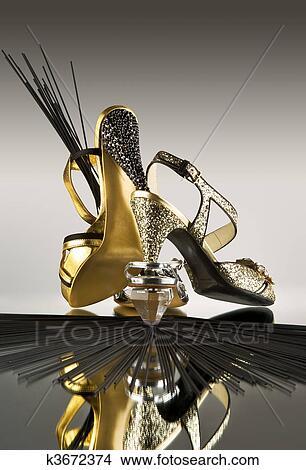 cfe237e8bba Χρυσός, και, ασημένια, παπούτσια Εικόνα