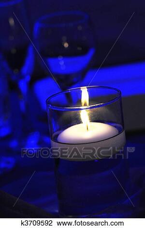 Banque de Photo - lumière bougie k3709592 - Recherchez des Images ... 3224959a4571