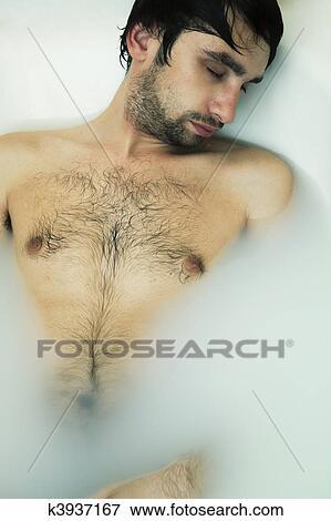Νέος γυμνός