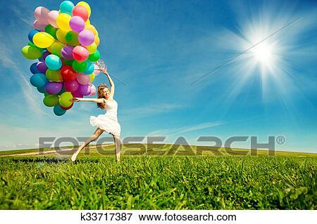 Image Joyeux Anniversaire Femme Contre Les Ciel A Rainbow