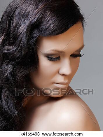 Schwarzes Haar