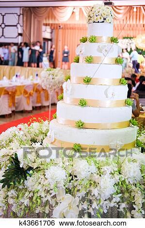 Gâteau Mariage à Fleur Décorer Banque De Photographies