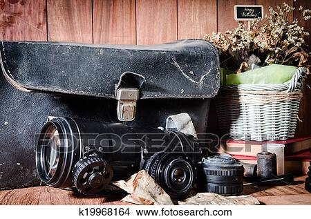 Camera Vintage Vector Free : Drawings of still life fine art photography on concept vintage with