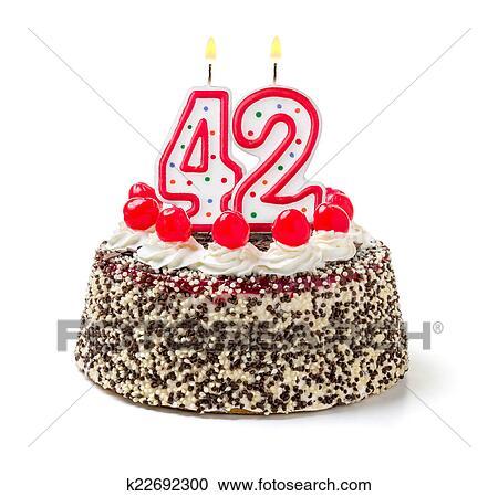 كعكة العيد ميلاد ب إحراق شمعة رقم 42 ألبوم الصور K22692300 Fotosearch