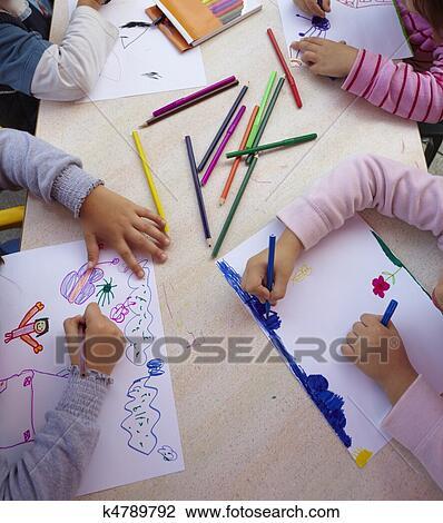 bf5edbe6db0 Αποθήκη Φωτογραφίας - παιδιά, ζωγραφική, ζωγραφική, ιζβογις, μόρφωση.  Fotosearch - Αναζήτηση