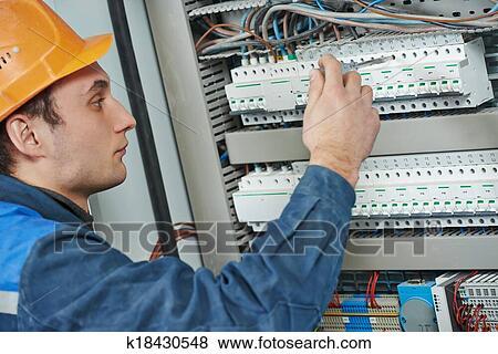 Bilder - elektriker, ingenieur, arbeiter k18430548 - Suche ...