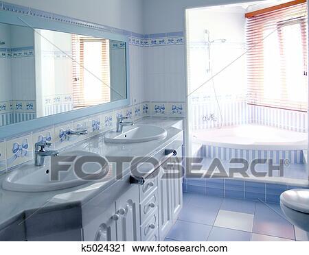 Stock Fotografie - klassische, blau, badezimmer, innere ...
