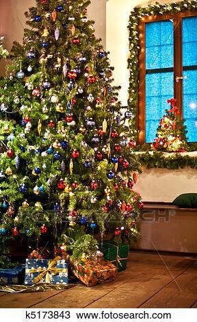 österreich Weihnachtsbaum.Ländlich Weihnachtsbaum Stock Bild