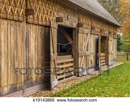 banque de photographies traditionnel hangar dans hollandais b timent style drenthe pays. Black Bedroom Furniture Sets. Home Design Ideas